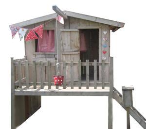 Houten speelhuis buiten maken en monteren werkspot for Foto op hout maken eigen huis en tuin