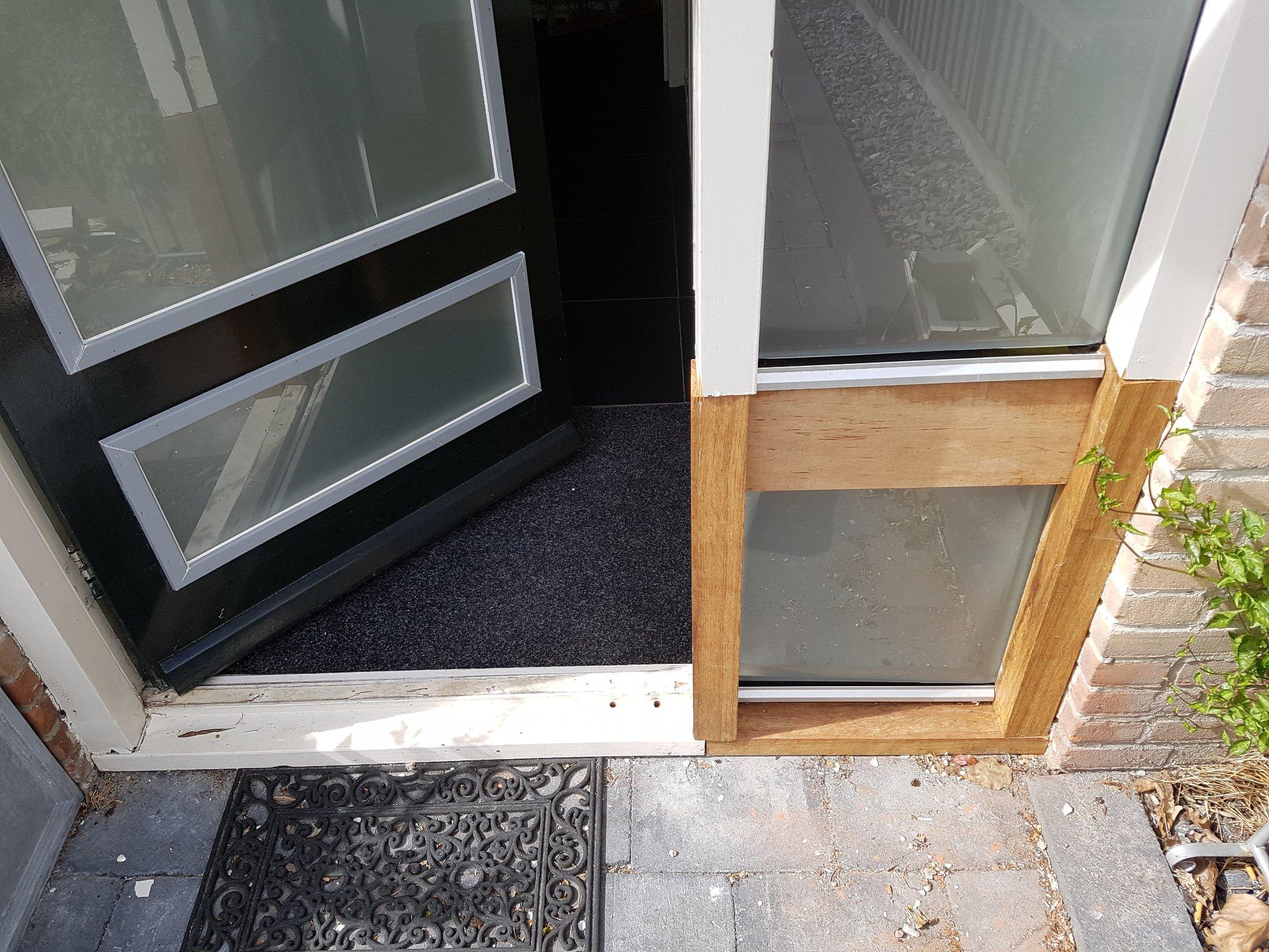 Super Vervangen deel van kozijn en onderdorpel deur - Werkspot NY74