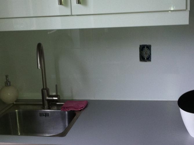 Tegels achterwand keuken werkspot for Zelf keukenontwerp maken