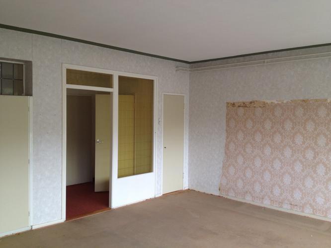 Glas in 1 wand (woonkamer) + boven kasten in slaapkamer vervangen ...