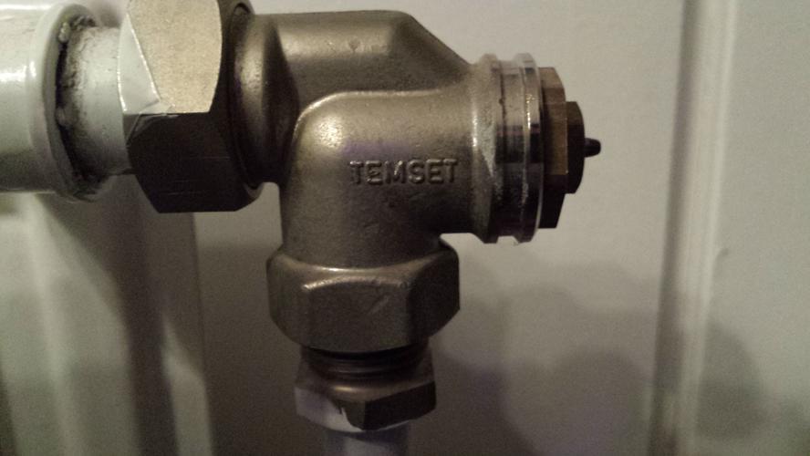 radiator klep vervangen