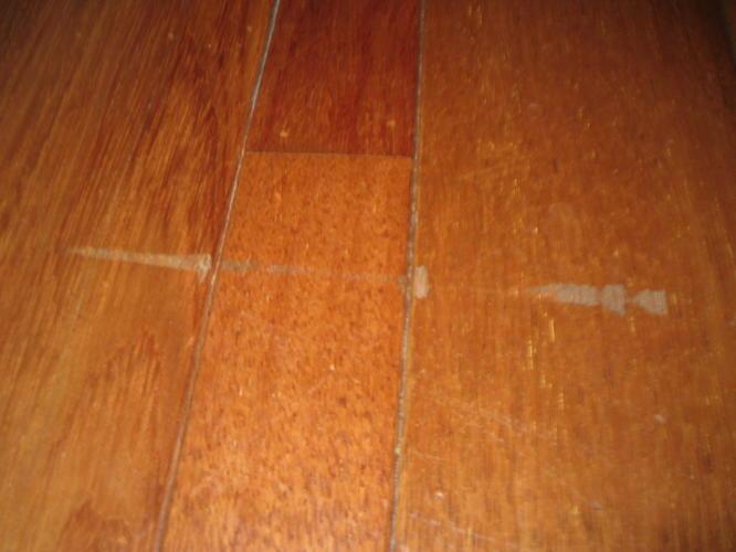 Beschadigde houten vloer repareren werkspot
