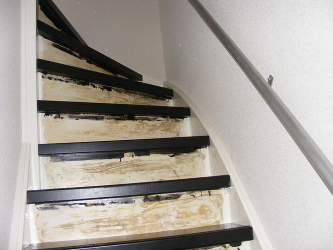 ledverlichting onder traptreden aanleggen - Werkspot