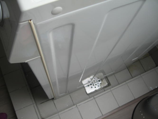 Super Lekbak wasmachine maken op zolder met aansluiting op waterafvoer XK27