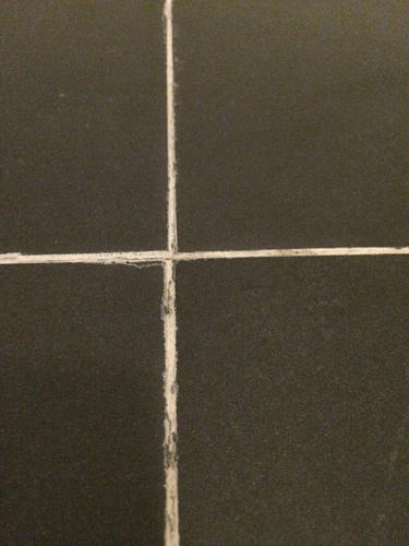 Voegen en kitranden herstellen badkamer - Werkspot