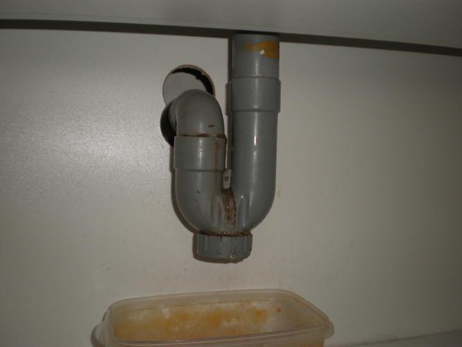 Sifon Badkamer Losmaken : Sifon keuken en badkamer wastafel vervangen werkspot