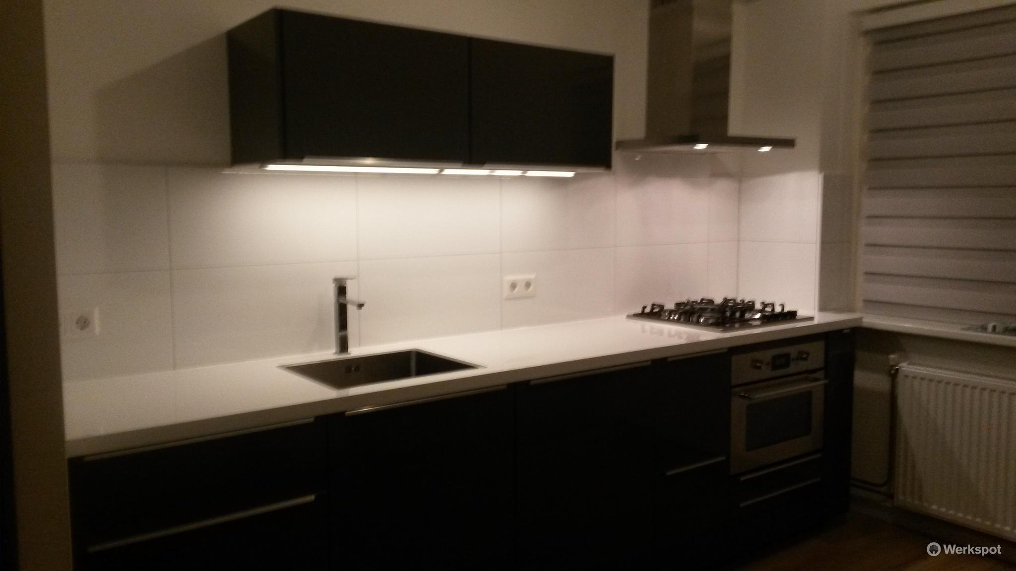 Plaatsen van ikea keuken rechte keuken werkspot for Wohnwand 3 meter lang