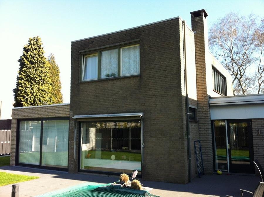 1e maal wit schilderen huis werkspot for Woning schilderen