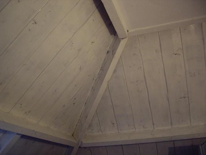 Schuin dak zolderkamer afwerken isoleren werkspot for Vijverrand afwerken met hout