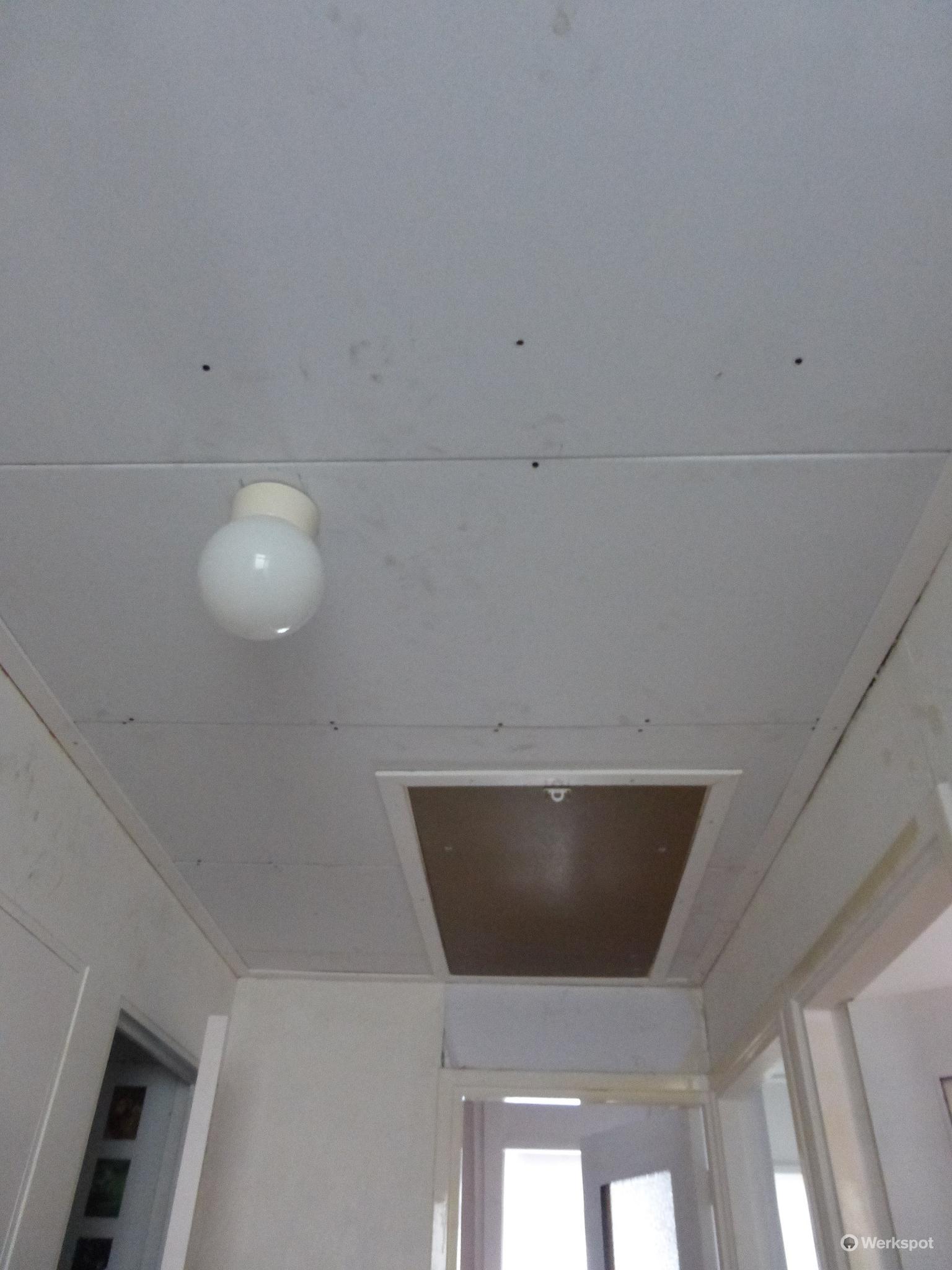 Voorkeur Vervangen zachtboard plafond en inbouwen vlizotrap - Werkspot DP84