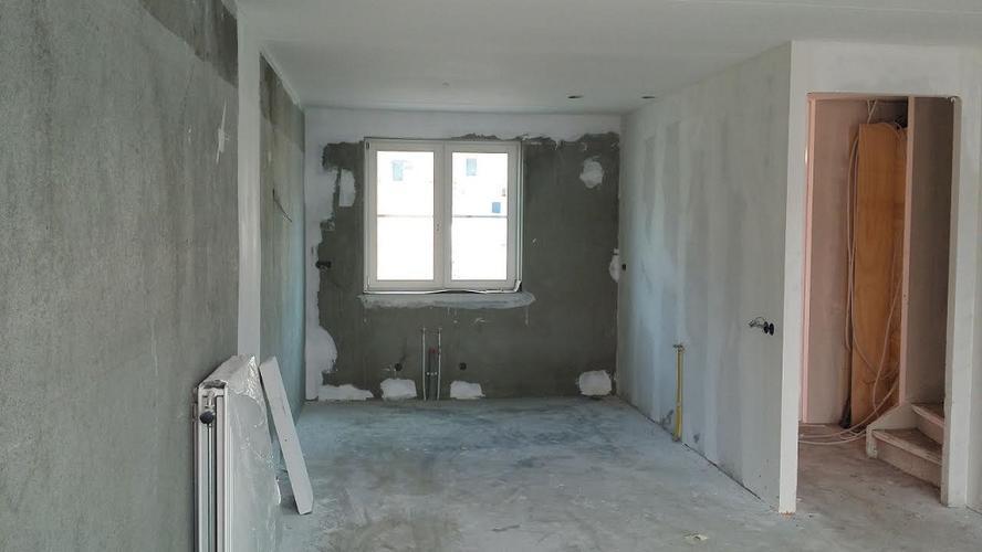 Behangen schilderen nieuwbouw woning binnen werkspot for Renovlies laten behangen