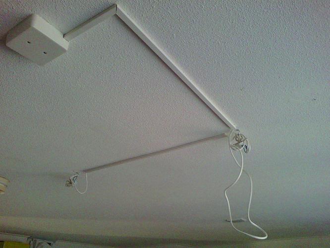 Bekend Ophangen en aansluiten 1 ventilator en 1 lamp aan plafond - Werkspot BB34