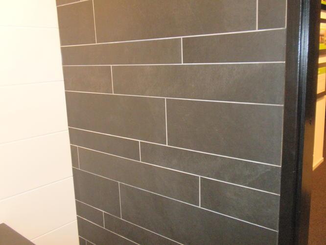 Badkamer Douche Plaatsen : Casco badkamer en toilet tegelen en plaatsen van sanitair werkspot