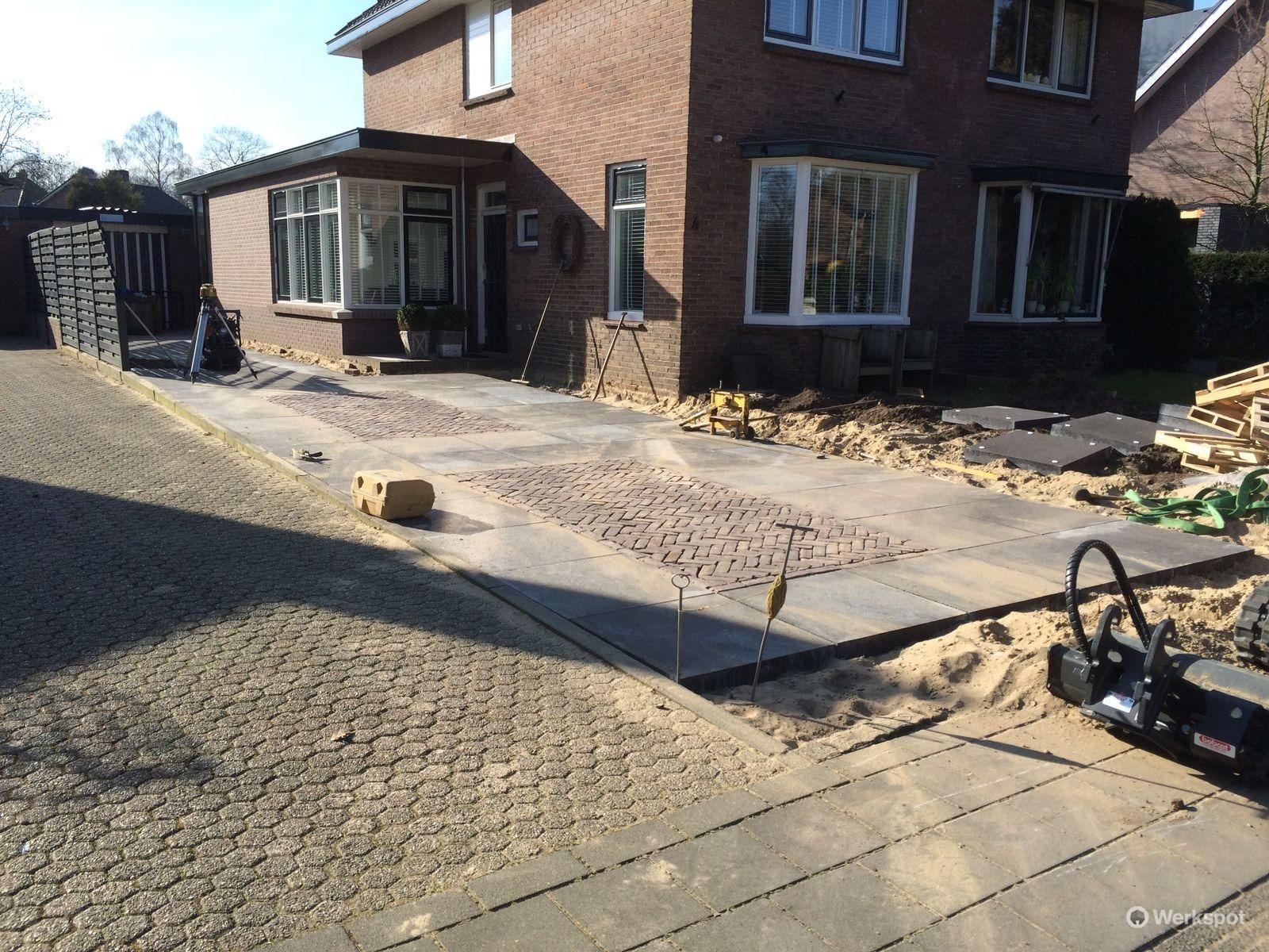 Tegels Voor Oprit : Voortuin aanleggen en oprit bestraten tegels en grind werkspot