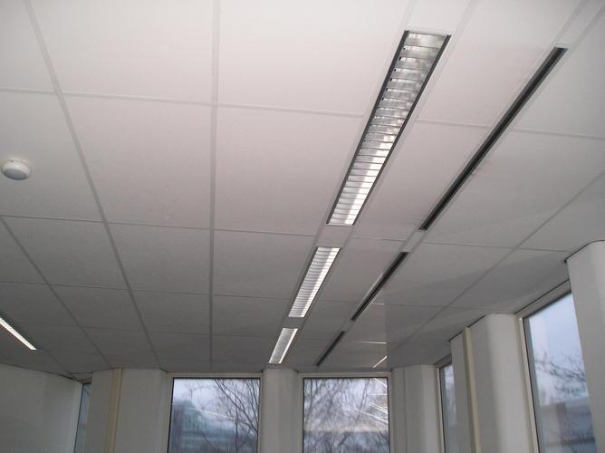 Demonteren 5000 m² systeemplafond - Werkspot