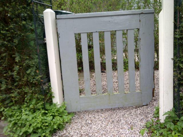 Houten tuinpoort werkspot for Vlizotrap plaatsen
