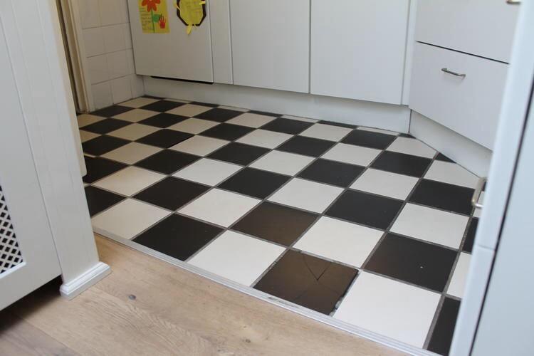 Vinyl Voor Keuken : Vinyl vloer leggen keuken m werkspot