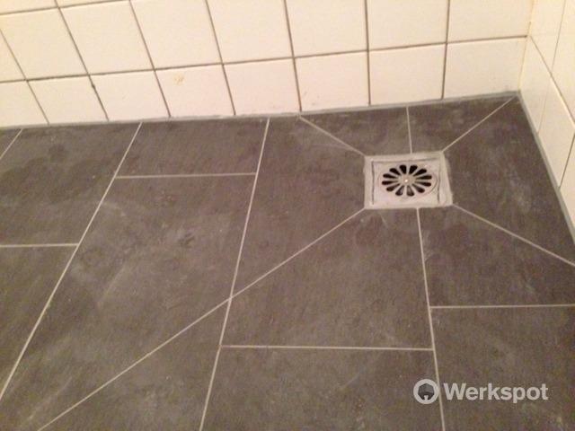 Betegelen Vloer Badkamer : Kosten badkamer vloer betegelen badkamer verbouwen verbouwkosten