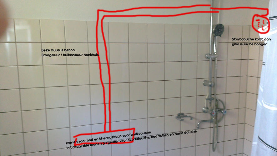 Leidingen in muur wegwerken badkamer - Werkspot
