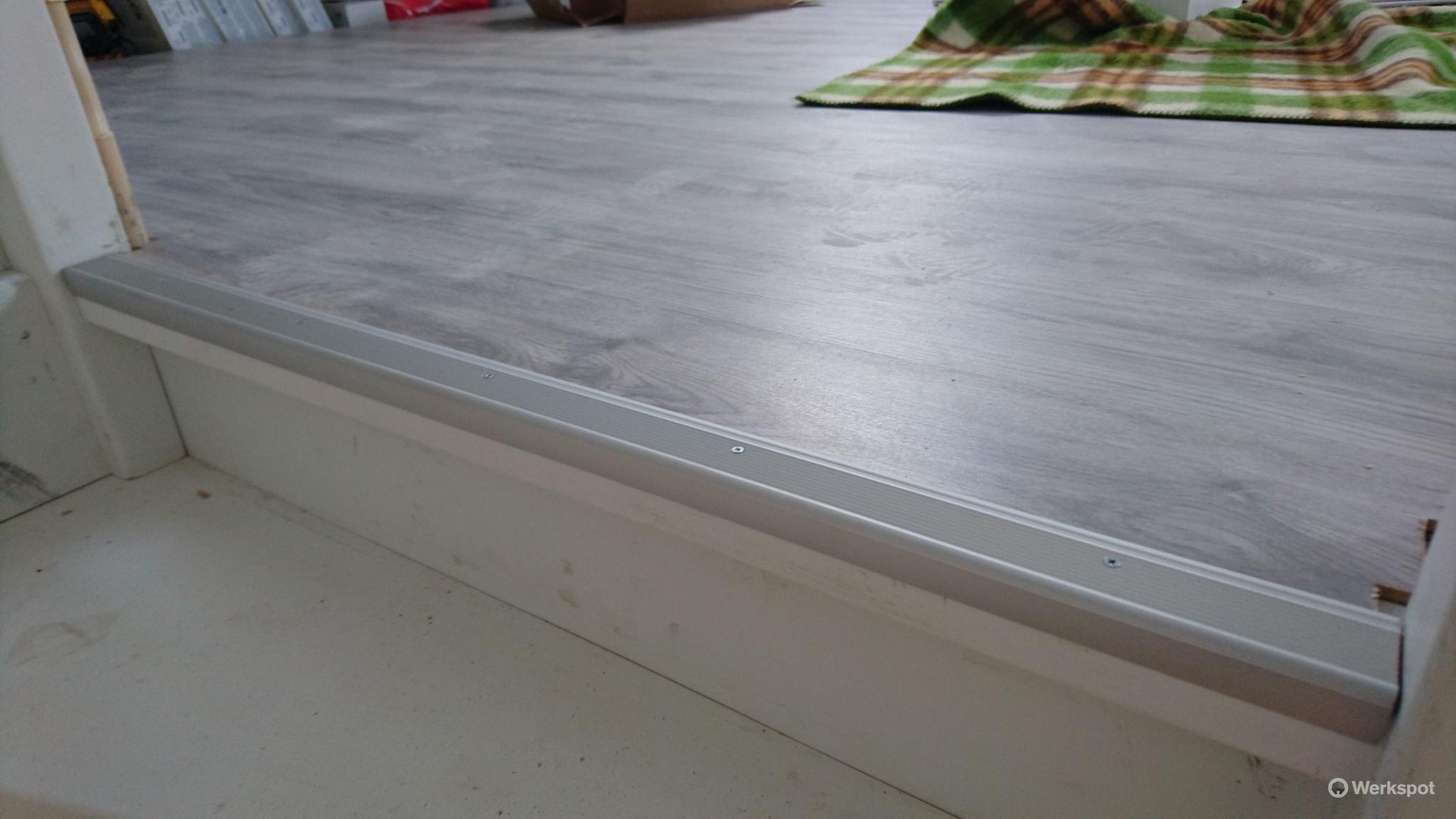 laminaat leggen icm ondervloer en plinten ong 110m2 werkspot