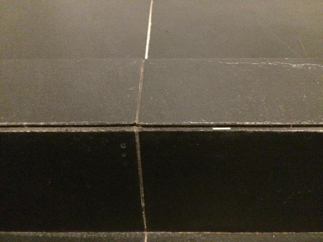 Voegen Herstellen Badkamer : Voegen en kitranden herstellen badkamer werkspot