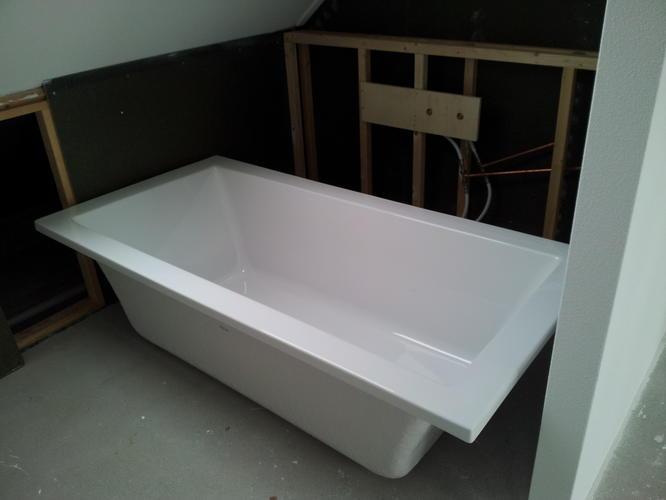 Badkamer  slaapkamer bad inbouwen en eventueel vloer  wand betegelen    Werkspot