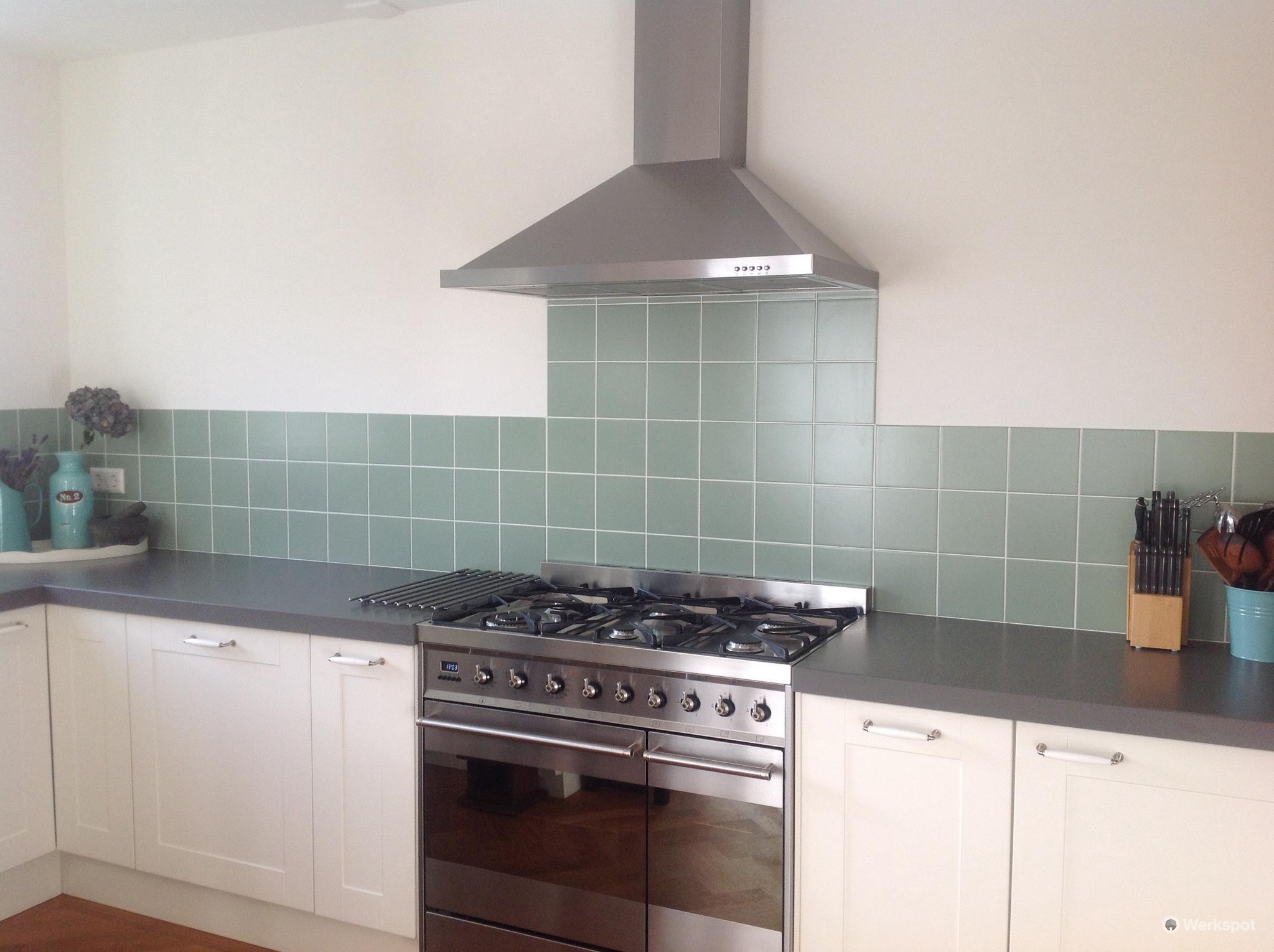 keuken tegels afkitten : Tegels Zetten Keuken 5m2 En Voegen Repareren En Tegel Plaatsen