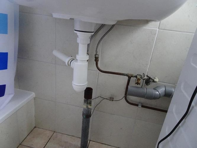 Afvoer Douche Aansluiten : Combinatie afvoer wastafel en wasmachine aansluiten werkspot