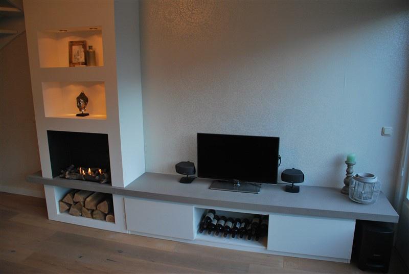 Tv meubel inclusief wand met vakken en ruimte voor nep for Tv meubel kleine ruimte