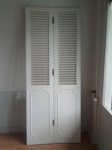 wand met louvre deuren plaatsen werkspot. Black Bedroom Furniture Sets. Home Design Ideas
