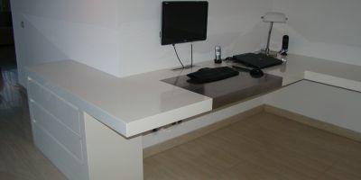 Wit hoogglans hoekbureau op maat 210x320 cm werkspot for Hoogglans ladeblok