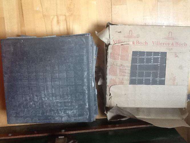 Voorkeur Vloertegels leggen op zoldervloer onder wasmachine overlopend in LY62