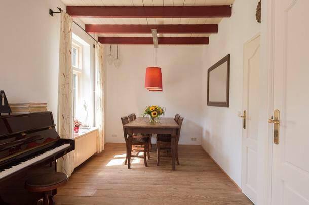 Originele balken verfen latest salontafel oude balken met stalen