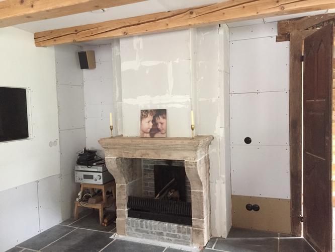 Stucen schouw en schoorsteenmantel 20 m2 kleine for Kostprijs behangen per m2