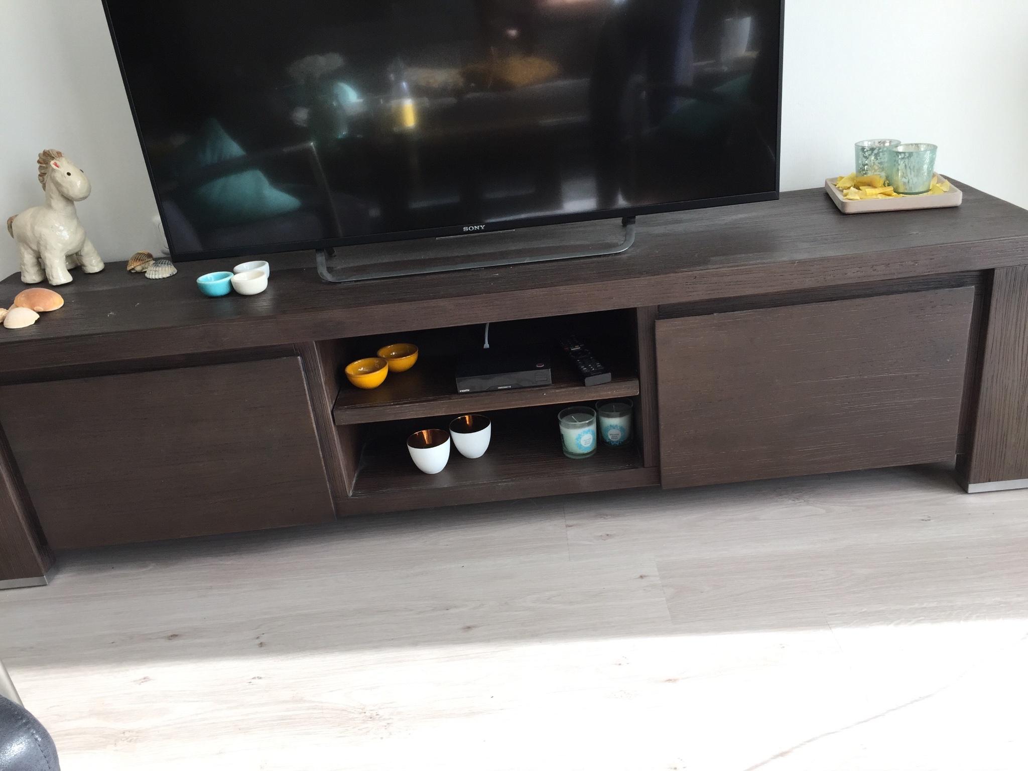 Nep Design Meubels : Tv meubel inclusief wand met vakken en ruimte voor nep haard werkspot