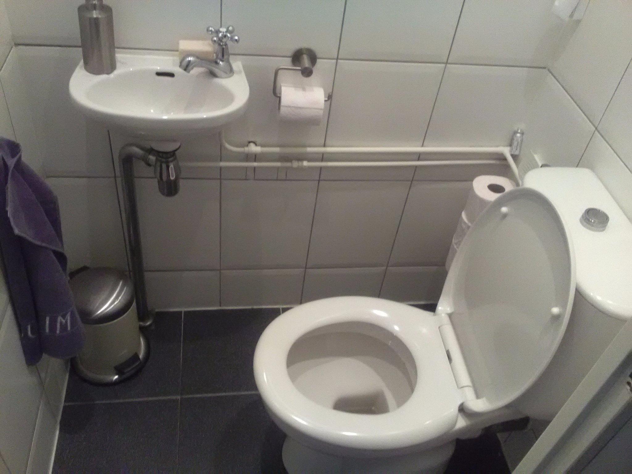 Hangend Toilet Plaatsen : Hangend toilet plaatsen vloer en voorzetwand tegelen werkspot