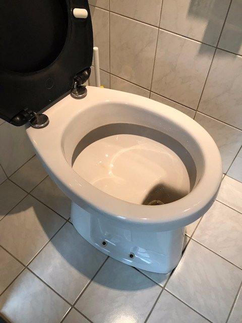 Wc Pot Vervangen.Wc Pot En Waterreservoir Vervangen Werkspot