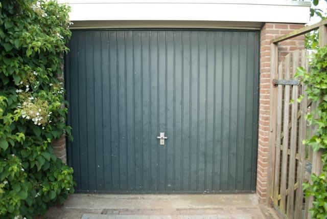 Slot Garage Kanteldeur : Kanteldeur garage vervangen voor twee openslaande deuren werkspot