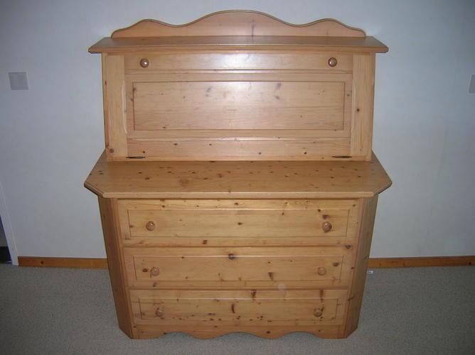 Grenen Slaapkamer Meubels : Grenen slaapkamer meubels schuren en lakken werkspot