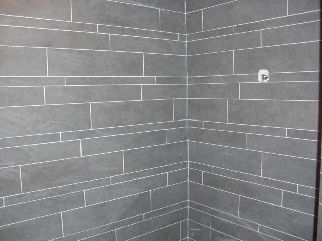 Zelf Badkamer Betegelen : Badkamer betegelen m werkspot