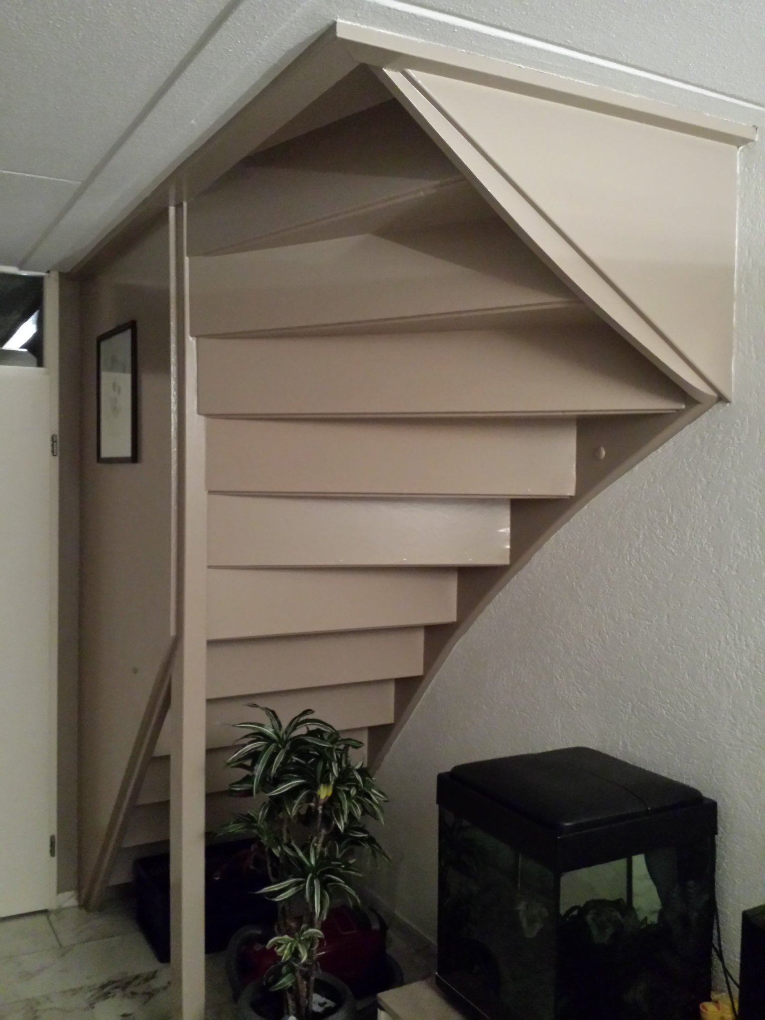 Trapkast maken onder dichte trap in woonkamer werkspot Trap in woonkamer