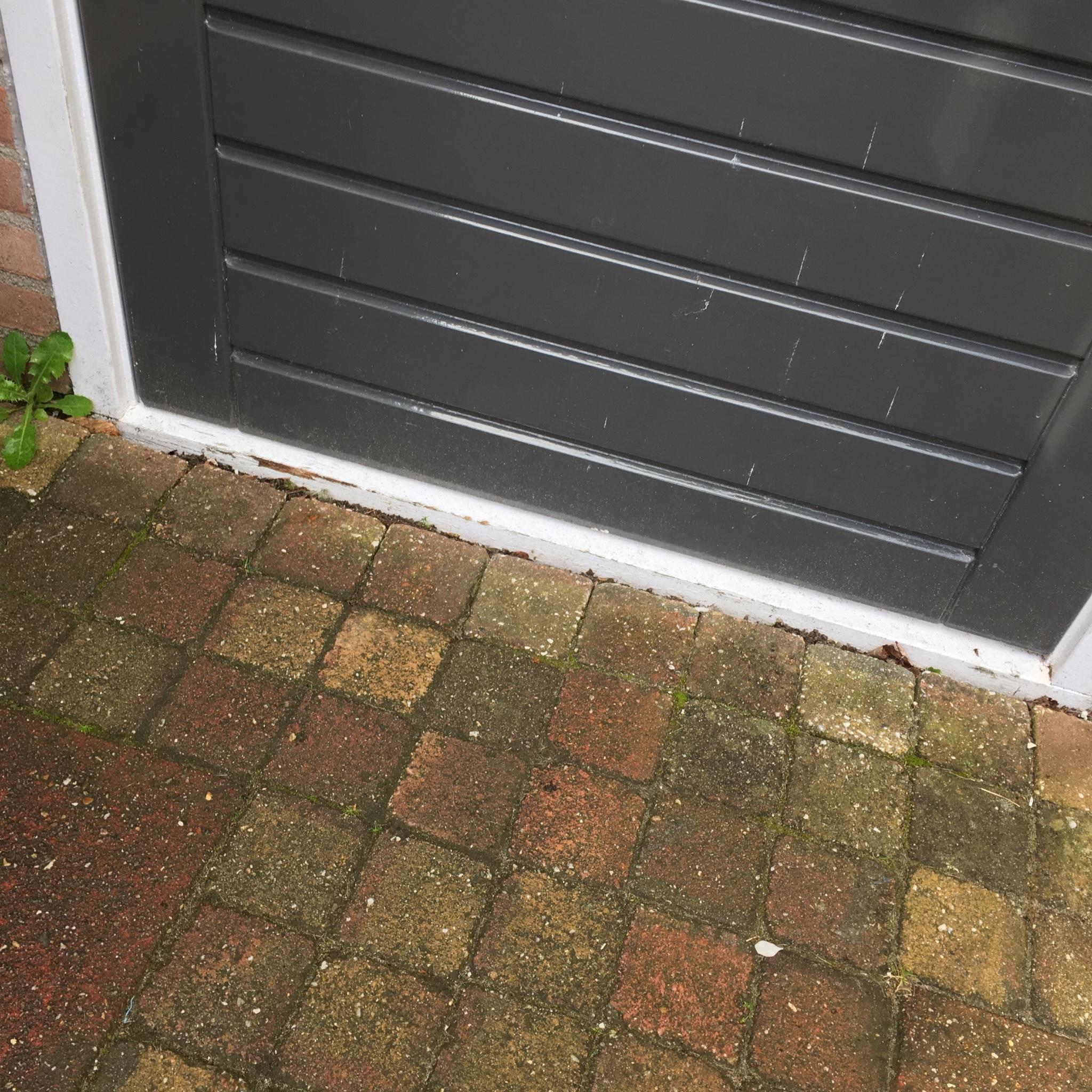 Super Onderdorpel buitendeur vervangen door kunsstof dorpel. - Werkspot LM11
