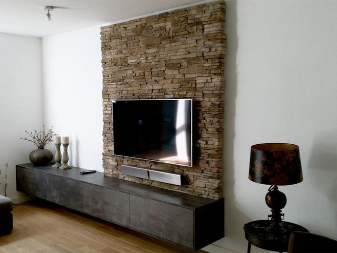 voorzet wand maken voor tv met steenstrip aan de muur werkspot. Black Bedroom Furniture Sets. Home Design Ideas
