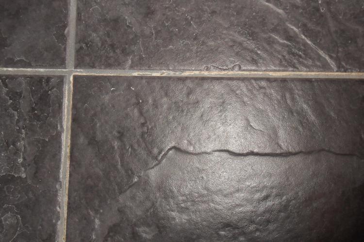 Cement Voegen Badkamer : Nood reparatie van voegen ivm scheuren douche vloer douche onbruik