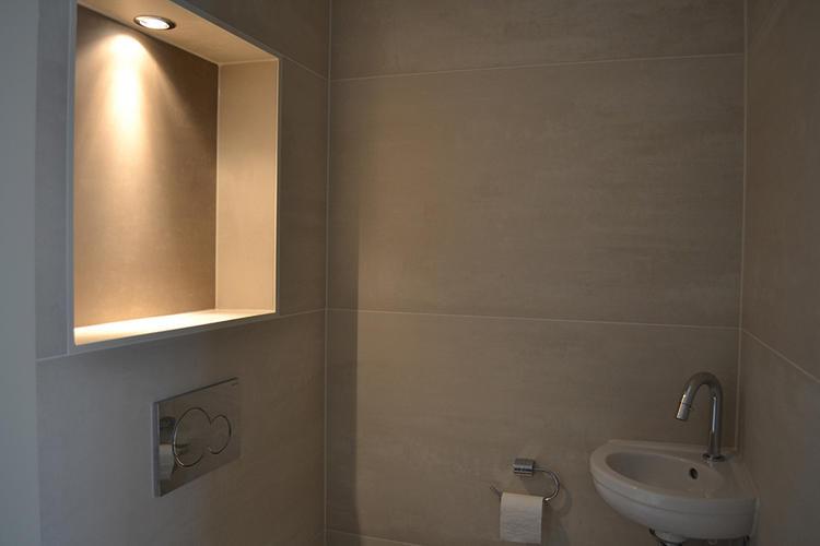 Toilet renoveren werkspot for Toilet betegeld