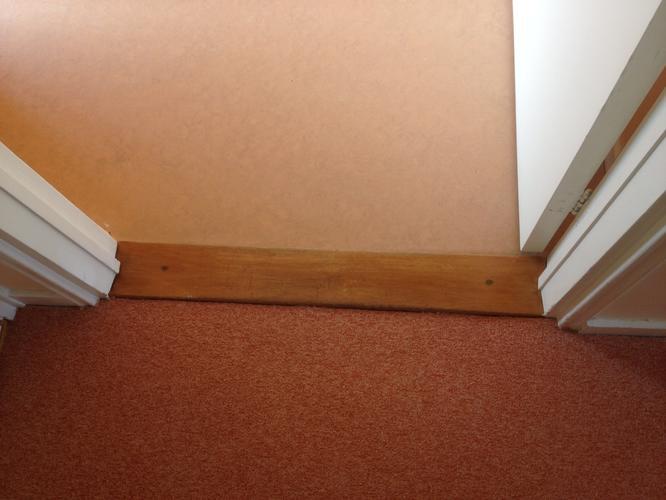 Trap Tapijt Verwijderen : Tapijt verwijderen 55m2 tapijt op 3 trappen werkspot