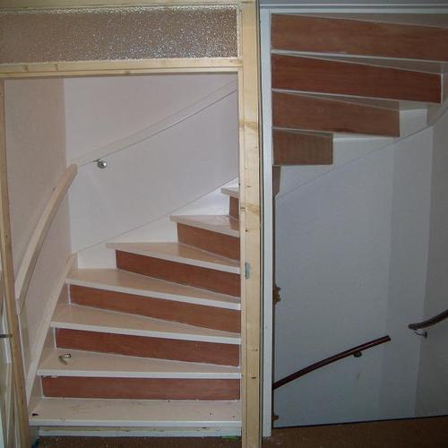 Deur plaatsen onderaan trap en aftimmeren trap werkspot for Trap plaatsen naar zolder