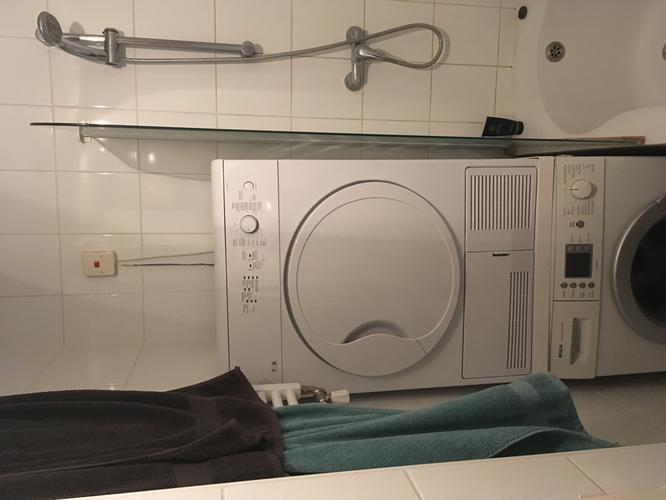 Stroomvoorziening wasmachine en droger badkamer - Werkspot
