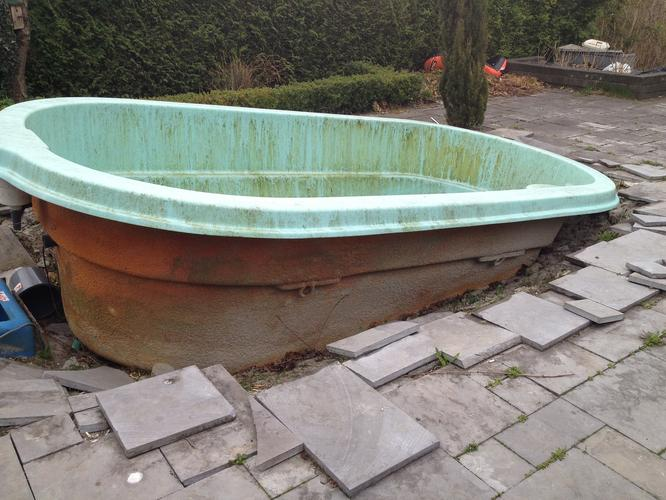 Ingraven en aansluiten zwembad werkspot for Polyester zwembad plaatsen