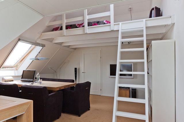 Maken van 2 slaap vides in een slaapkamer met vaste trap werkspot - Beneden trap ...
